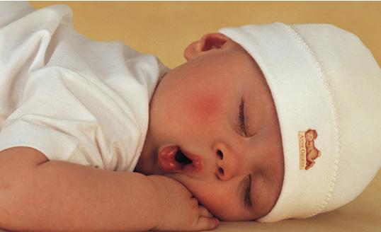 ребенку месяц очень сильно ворочееться во сне что бегайте, прыгайте