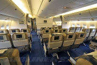У Orenair - предновогодние рейсы Москва - Петербург на Boeing 777.