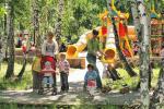 На берегу озера Банное, у подножия Уральских гор, в обрамлении смешанного леса с преобладанием березовых рощ...